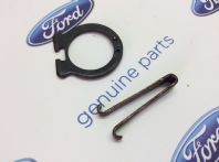 Ford Fiesta MK1/XR2 New Genuine Ford boot board ring and clip